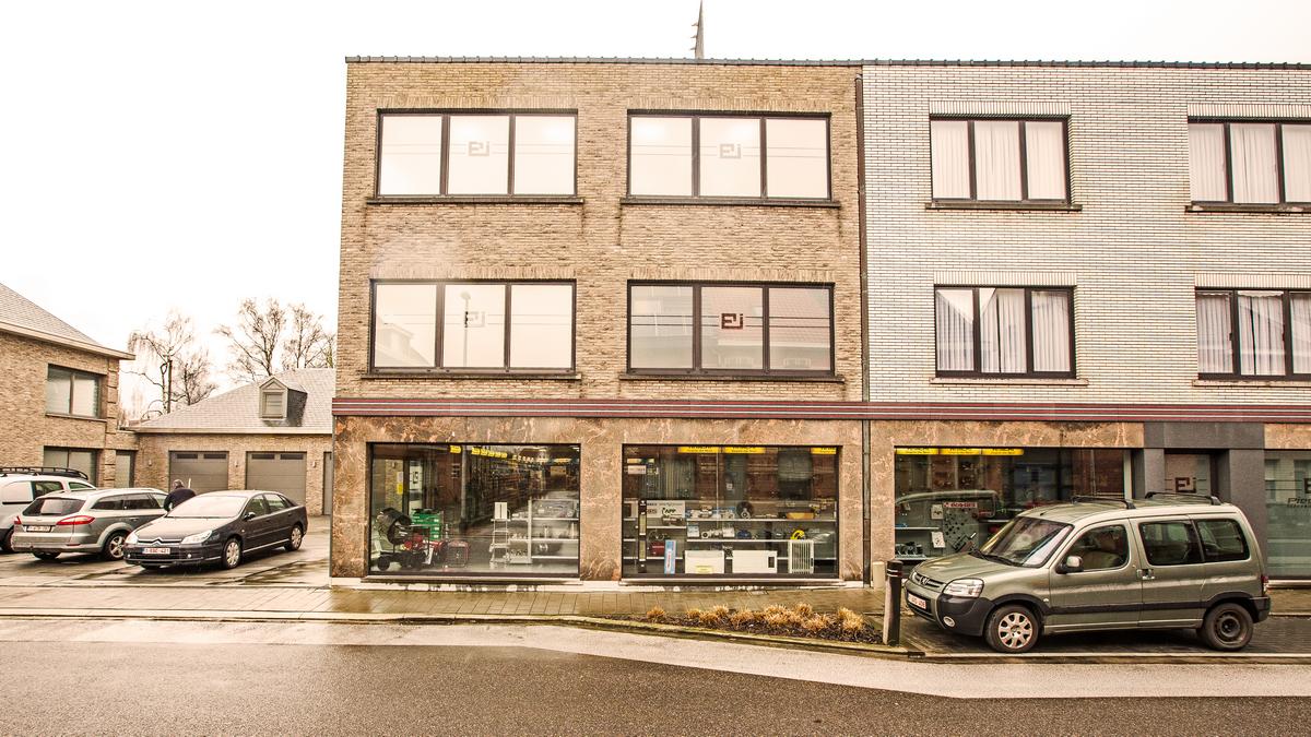Piessens Electro Industrie - voorgevel winkelruimte