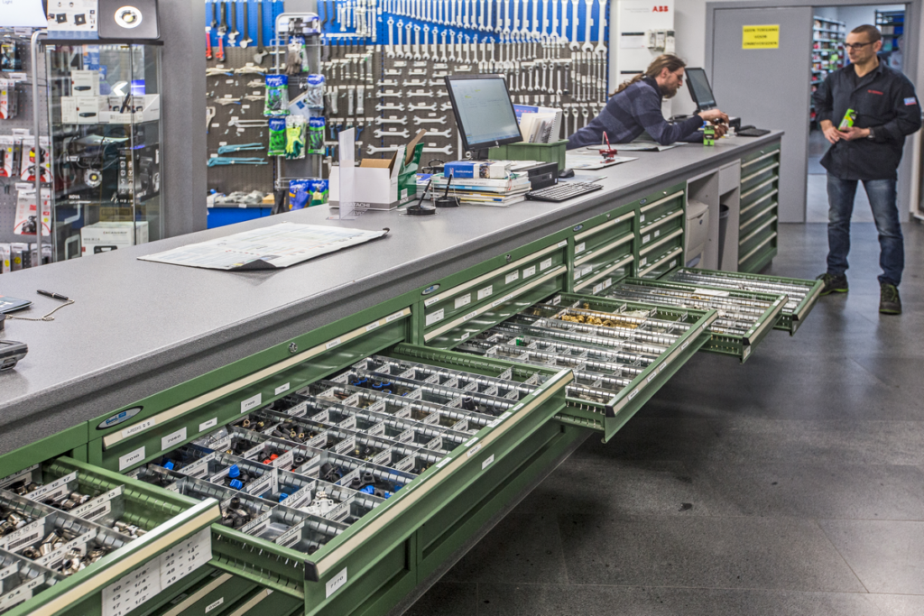 Piessens Electro Industrie - Vacature Technisch Commercieel Adviseur Balie Familiebedrijf